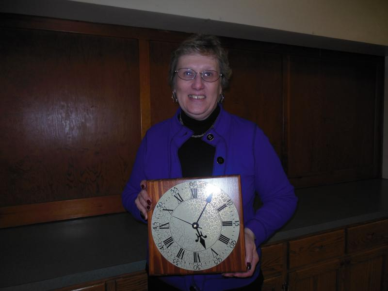 PA BPW President Diane L. Lewis won a clock at the 6th UPBPW Expo!